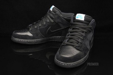 timeless design 02d80 e7770 Along with the fire grey dunk highs posted yesterday SB is dropping these  black mids. Great use of the second pair of laces, aquamarine is definitely  way ...